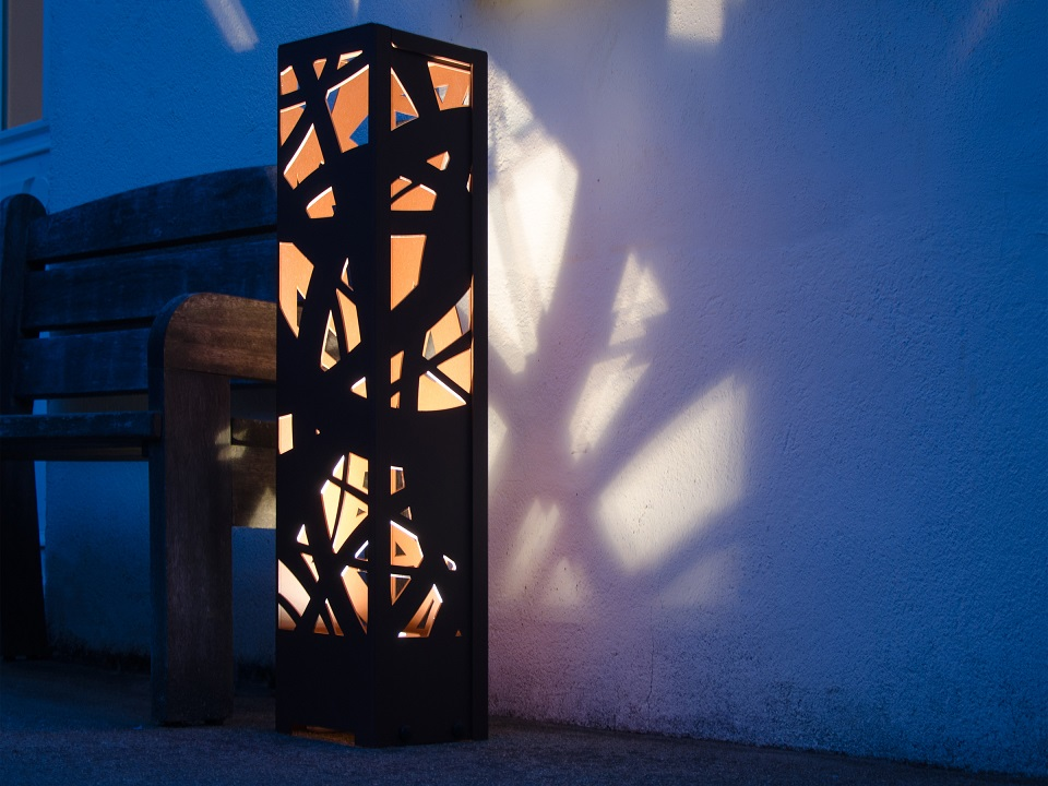 brand conception eclairage et luminaire ext rieur en aluminium. Black Bedroom Furniture Sets. Home Design Ideas