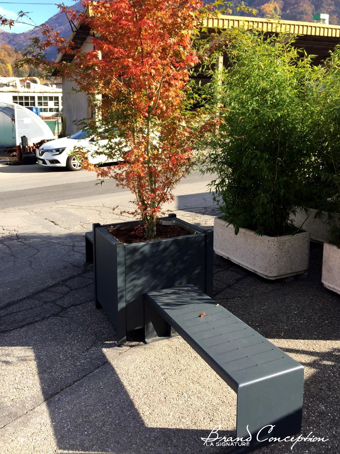 Brand conception jardini res et bancs en aluminium pour for Jardiniere exterieure en aluminium